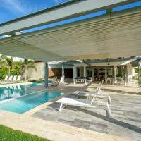 Private & Luxury Villa with Pool, Jacuzzi, Golf Cart and Chef