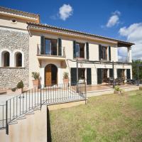es Capdella Villa Sleeps 10 with Pool Air Con and WiFi, hotel in Es Capdella