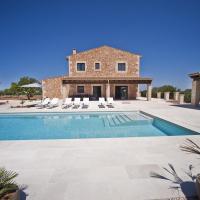 Cas Concos Villa Sleeps 8 with Pool Air Con and WiFi