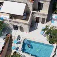 Beach Villa with heated Pool - Garden Apartment