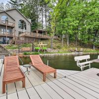 Ultimate Summer Escape with Dock, Kayaks, Etc!, hotel in Waupaca