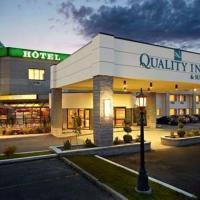 Quality Inn & Suites, hotel em Brossard