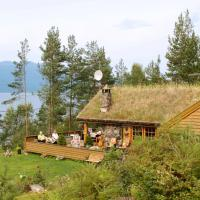 Five-Bedroom Holiday home in Kysnesstrand, hotel in Røyrvik