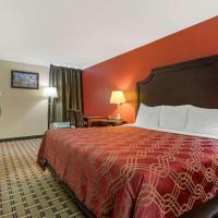 Econo Lodge Near Fort Stewart On site Restaurant and Bar, Extended stay rate Laundry facility, and Pool, hotel in Hinesville
