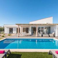 Forma Villa Sleeps 7 with Pool Air Con and WiFi