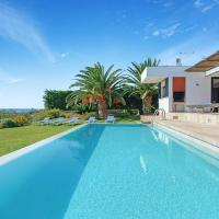 Punta Prima Villa Sleeps 6 with Pool Air Con and WiFi