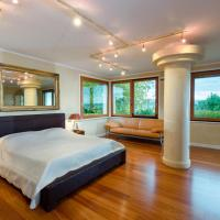 Lake Front Luxury Suites (Adults Only)