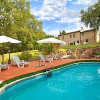 Villa vicino Siena con piscina e molto verde - solo per Voi