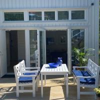 Kungsbacka nära hav och golf-sovloft 1,25 takhöjd, hotel in Kungsbacka