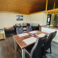 Grand Spa Holiday Home, hotel in Sklené Teplice