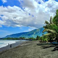 TAHITI - Fare Tearii Beach
