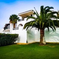 beach & golf holiday home