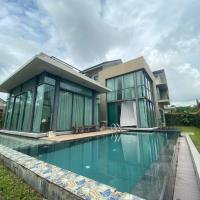 Resort Villa with Pool & Roof Top, hotel in Gelang Patah