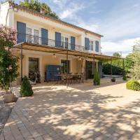 Lavish Villa in Carpentras with Private Swimming Pool
