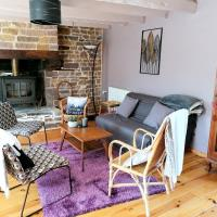 House with 2 bedrooms in Gavray with enclosed garden and WiFi 15 km from the beach