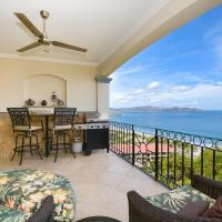 Exquisitely decorated 5th-floor aerie with views of two bays in Flamingo