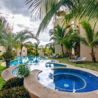 Newly updated 2BR poolside condo with BBQ