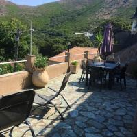 House with 3 bedrooms in Ersa with wonderful mountain view and enclosed garden 5 km from the beach