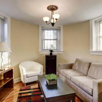 Capitol Hill 1BR in Castle