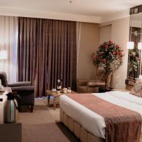 RÖNESANS LİFE HOTEL