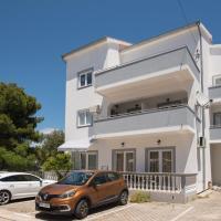 Apartments Lovrić, отель в Водице