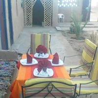 Hostel restaurant alla، فندق في Khamliya