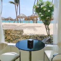 Beachfront Ocean View Condo 8 people WiFi PickUp