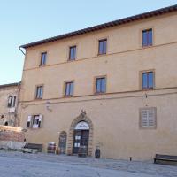 Rooms and Wine al Castello, hotel in Monteriggioni