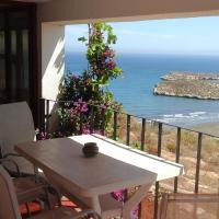 Chambre d'hôtes ''CASA PACA B&B'' Appartement deux chambres vue sur mer, 150m à pied de la plage de Sfiha, hotel near Cherif Al Idrissi Airport - AHU, Ajdir