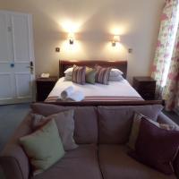 Harry's Hotel & Restaurant, hotel in Aberystwyth