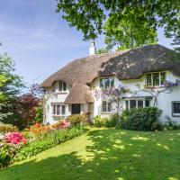 Forest Drove Cottage · Idyllic New Forest 6 Bedroom Thatched Cottage