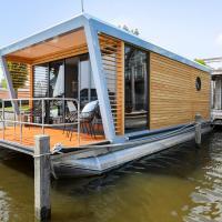 Luxe Houseboat Skoft