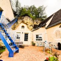 House full of semi-troglodyte charm, hôtel à Lussault-sur-Loire