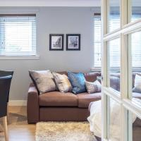 The Rock View Apartment Edinburgh Old Town 2-Bedroom Terrace Lift Parking