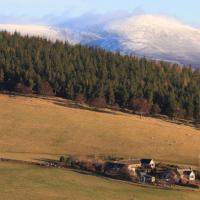 Easter Corrie Cottages, hotel in Ballindalloch