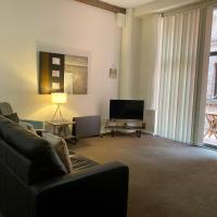 Darling Harbour - Family Apartment - Sleeps 6 - Free Parking - Pool - Gym - Sydney's Best Location
