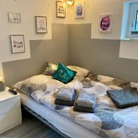 Moderne 1ZimmerSouterrainwohnung mit Küchenzeile und Bad, Hotel in Groß Denkte