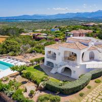 Villa Adele, con piscina a 700 mt dal mare, hotel a Monte Petrosu