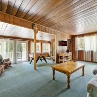 Rustic Cabin Retreat- Mins from Bass Lake, hotel in Bass Lake