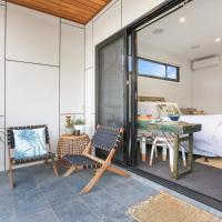 Shellharbour City Center Eternity 141 - Room with private bathroom, balcony bed & breakfast, hotel near Illawarra Regional Airport - WOL, Lake Illawarra