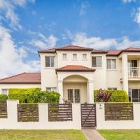 Nice home in the Regatta waters estate close to theme parks
