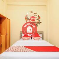 Vaccinated Staff - OYO 168 K-15 Residence, hotel in Surabaya