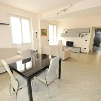 Casa Costa Outlet 3, hotell i Serravalle Scrivia