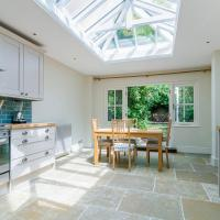 GuestReady - Marvelous 3BR House in Kennington with Garden