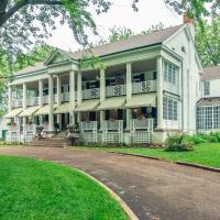 Montrose Inn, hotel em Belleville