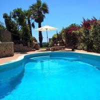 Villa + pool on the beach