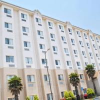 Microtel Inn and Suites Toluca, hotel en Toluca