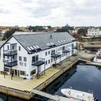 Sea-side apt at beatiful Kremmarholmen, 3BR