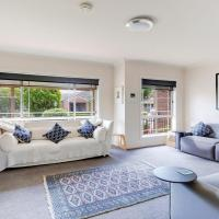 Walling-Clifton Gardens - backing onto golf course, hotel em Shoalhaven Heads