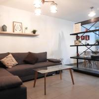 Los Prados Minimalist Home by Lunian
